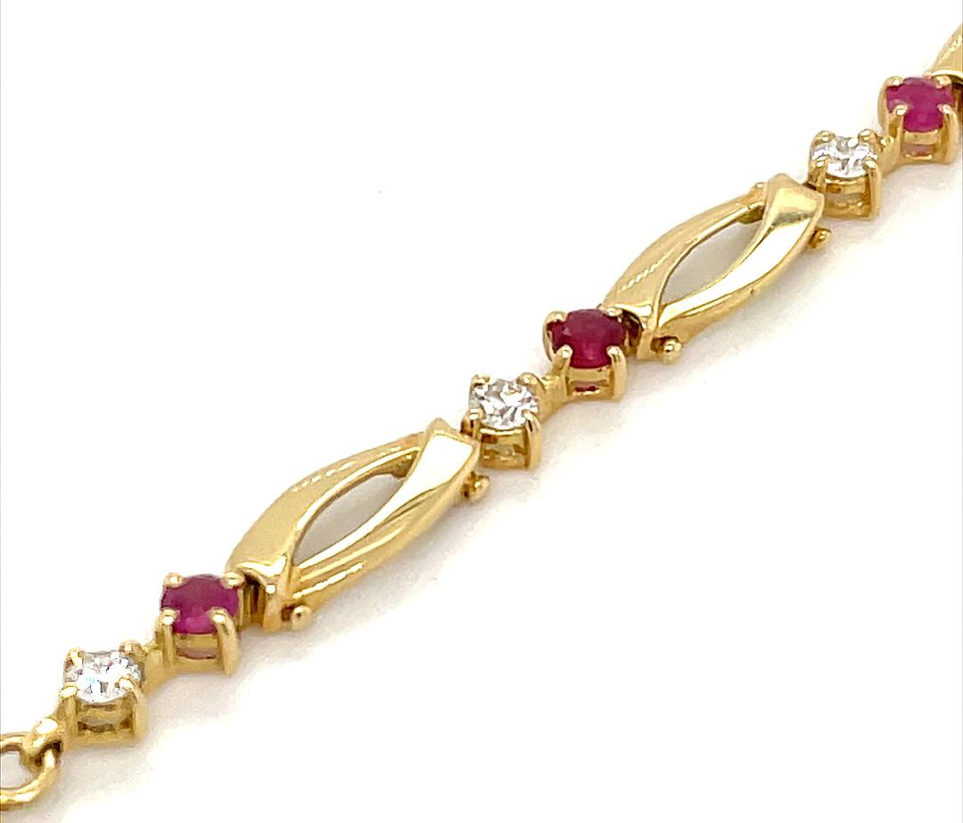 18k Yellow & White Gold Round Ruby & Brilliant Cut Diamond Link Bracelet