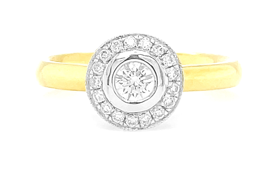 18k Yellow and White Gold Brilliant Cut Diamond Cluster Ring