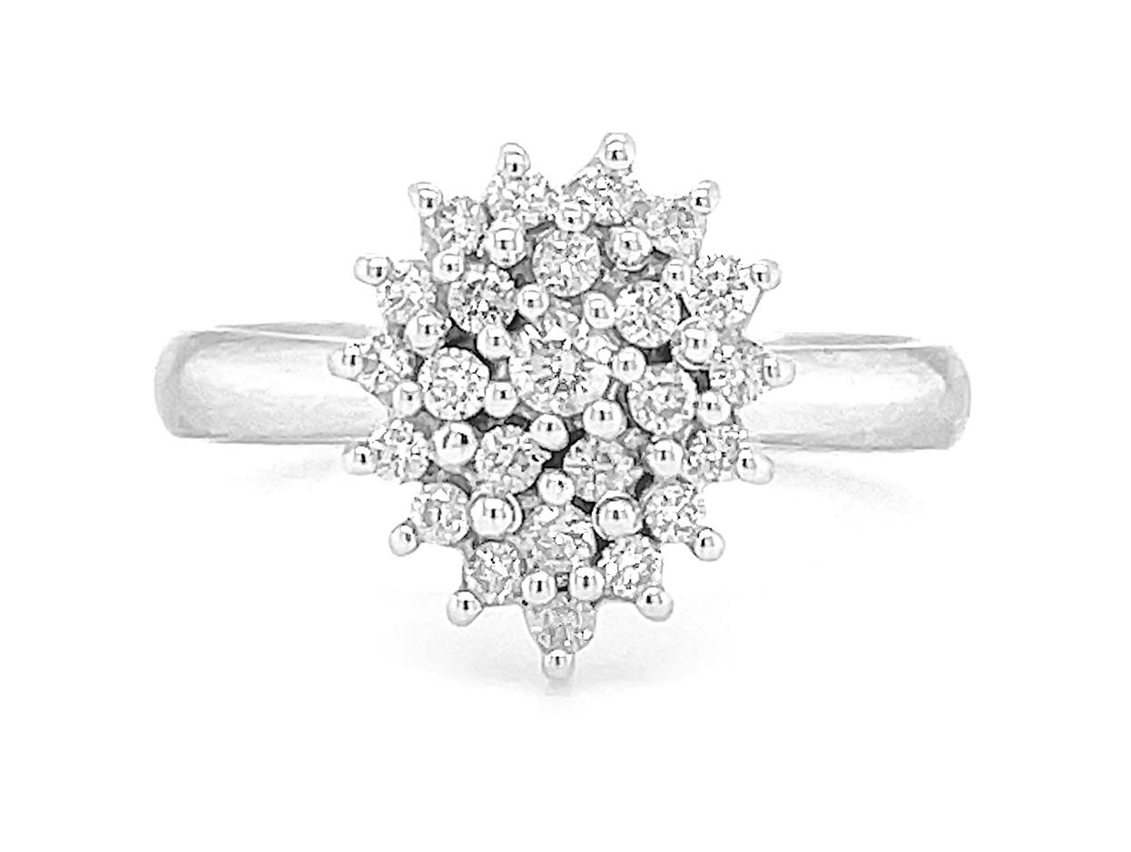 18k White Gold Brilliant Cut Diamond Cluster Pearshape Ring