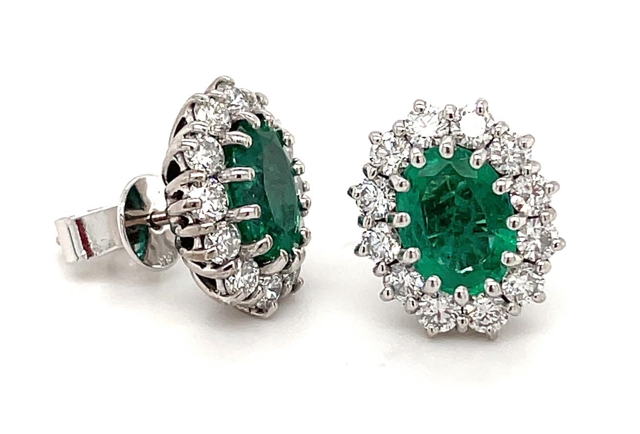 18k White Gold Oval Emerald & Brilliant Cut Diamond Cluster Stud Earrings