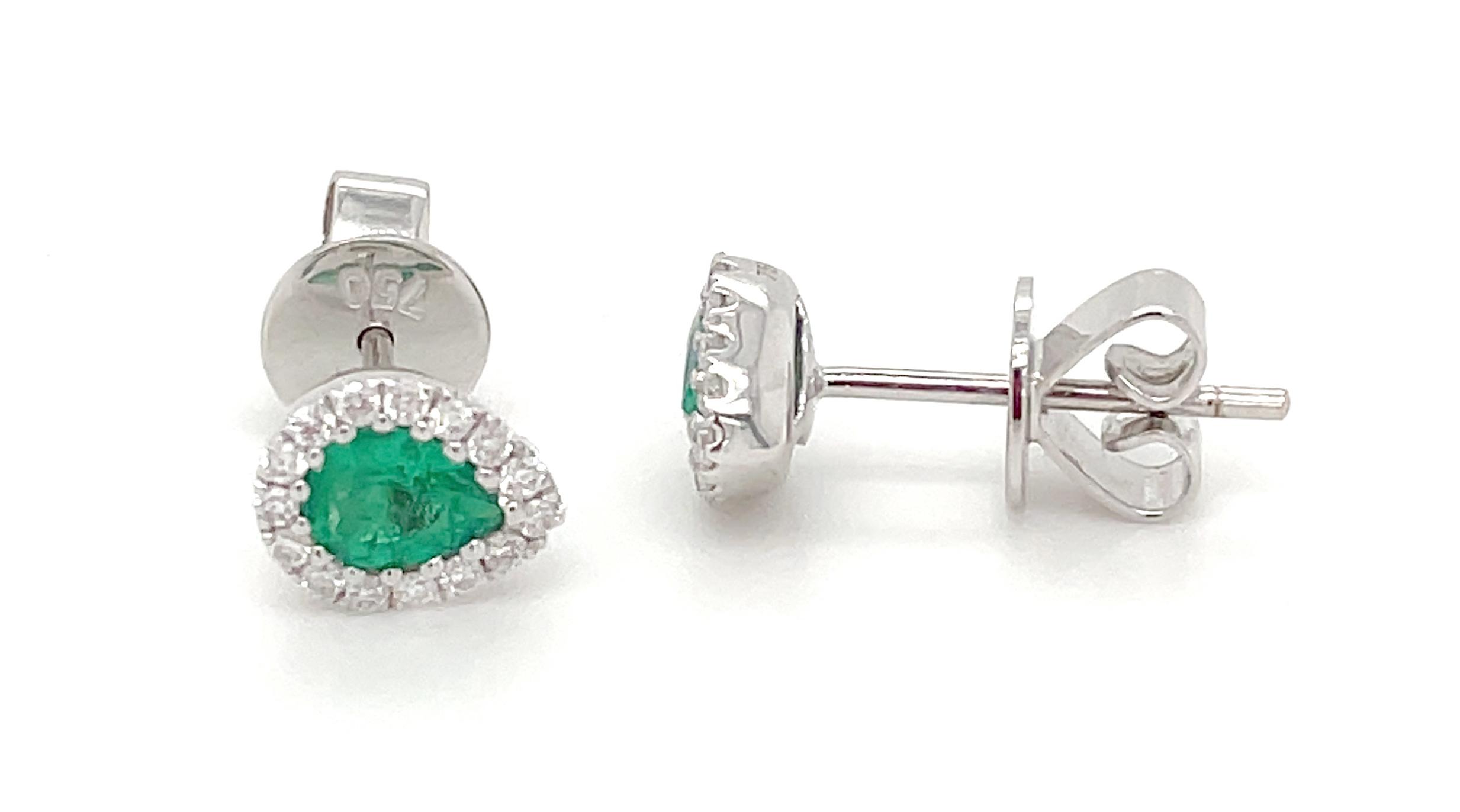 18k White Gold Pearshape Emerald & Brilliant Cut Diamond Cluster Stud Earrings