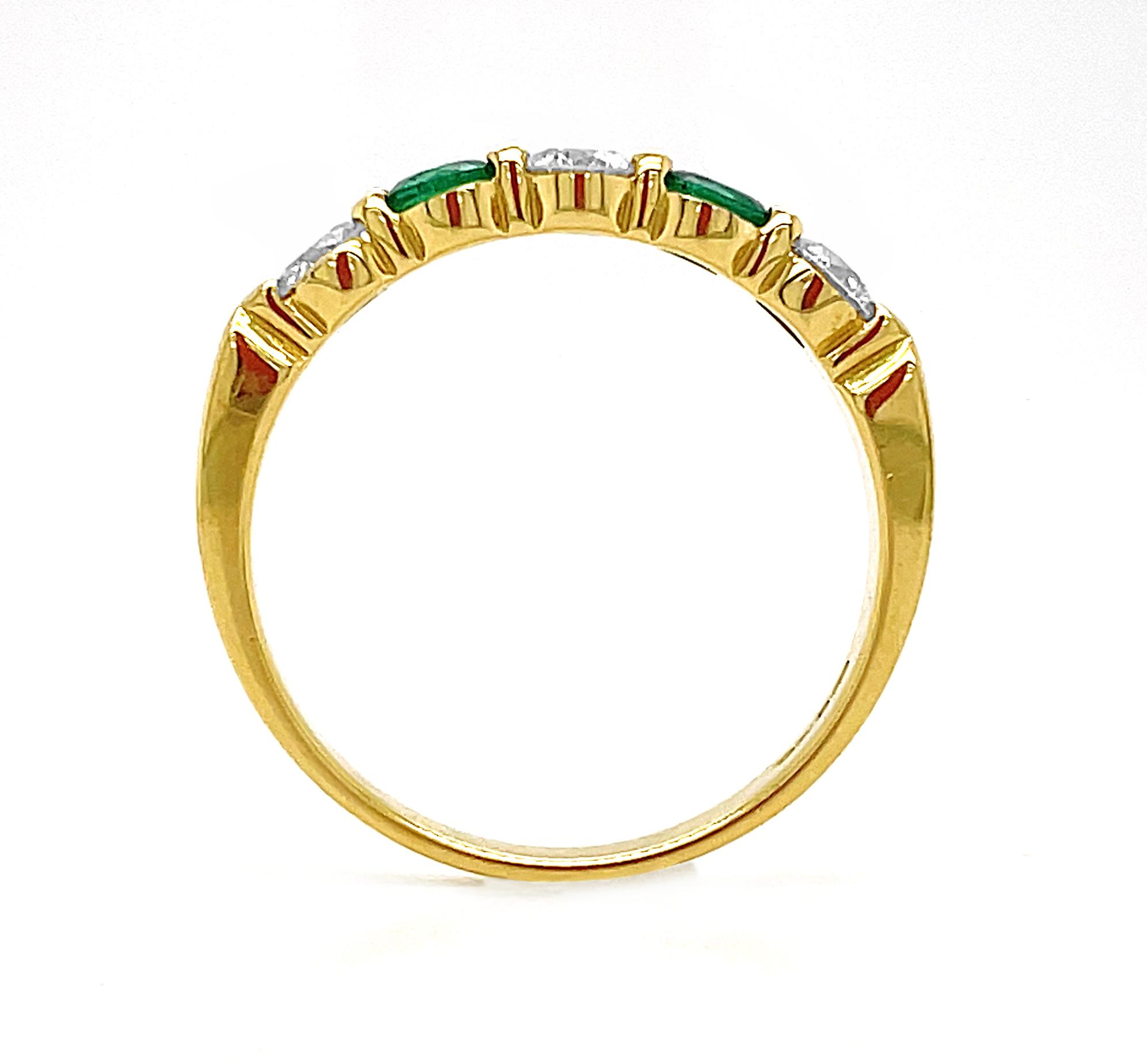 18k Yellow Gold 5 Stone Round Emerald & Brilliant Cut Diamond Ring