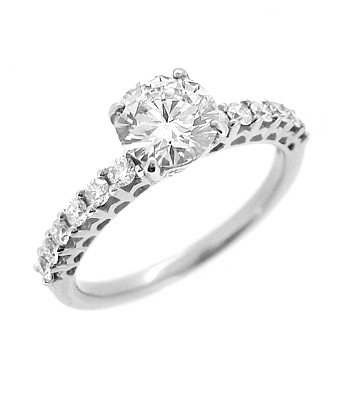 18k Red & White Gold Brilliant Cut Diamond Solitaire Ring, Diamond Shoulders