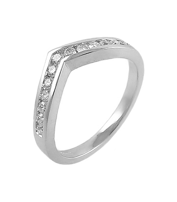 18k White Gold Brilliant Cut Diamond Shaped Ring