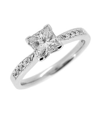 18k White Gold Princess Cut Diamond Solitaire Ring, Diamond Shoulders