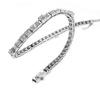 18K White Gold Brilliant Cut Diamond Line Bracelet