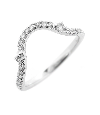 18k White Gold Brilliant Cut Diamond Fitted Wedding Ring