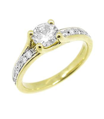18k Yellow Gold Brilliant Cut Diamond Solitaire Ring, Diamond Shoulders