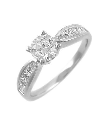18k White Gold Brilliant Cut Diamond Solitaire Ring, Princess Cut Diamond Shoulders