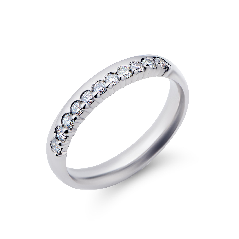 18k White Gold Brilliant Cut Diamond Wedding Ring